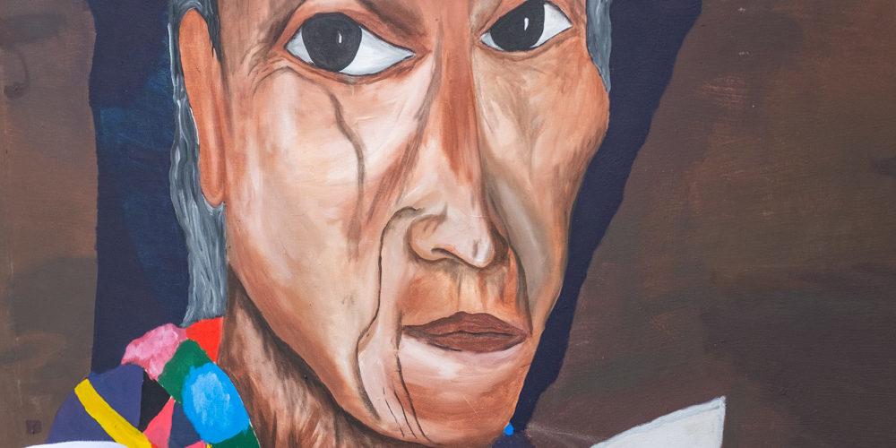 Estudiantes de la Telesecundaria 1293 Organización de las Naciones Unidas pintan un retrato de una mujer maya para su exhibición en el Festival de la Memoria Histórica. Nueva Libertad (El Colorado) 2020